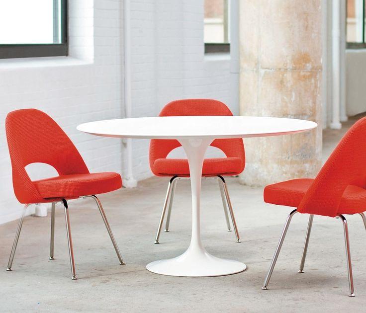Cadeira Saarinen Executive, 1950.  Um peça que fez tanto sucesso que foi destaque em todo o mundo, em 1969 ganhando o Prêmio do Museu de Arte Moderna e o Prêmio Federal da Alemanha Ocidental de Desenho Industrial.