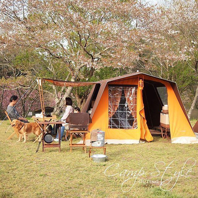 CAMPSTYLE 特集 @super3720 さん& @coo0904 さんご夫婦取材。 OUTING サイトにアップしました! サイドを跳ね上げてテラスのようなスペースを作ったマルシャルメロディで癒しの時間✨✨ *** #キャンプバカ部 #キャンプ #アウトドア #マルシャル #テント #キャンプギア #てっこつ #ロッジテント #オシャレキャンパー #ファミキャン #ピクニック #camping #outdoor #tent #marechal #campgear #instajapan #outingstylejp