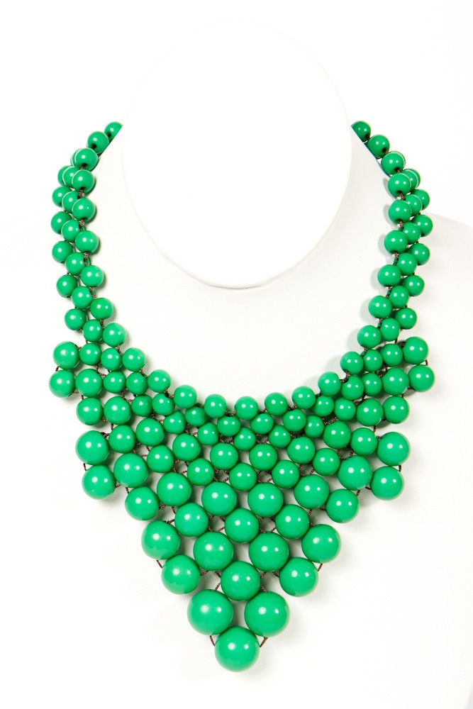 kelly green bauble necklace::i don't need another necklace in this color family/style but I love it.