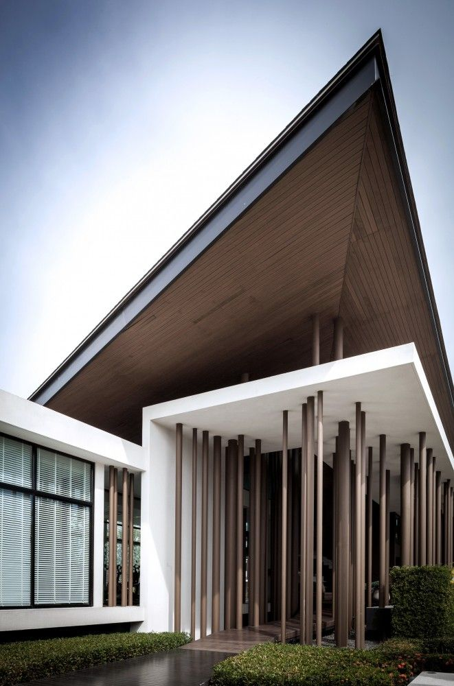 "Burasiri / IDIN Architects The clubhouse Burasiri Thakham, which is located on Rama II Road in Bang Khun Thian district, Bangkok, Thailand facilitates a recreational function for a housing estate ""Sansiri."""