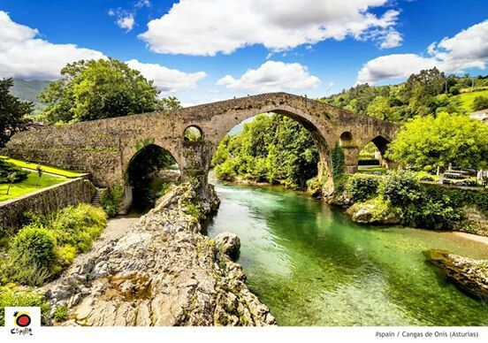 Cangas de Onís, la capital del antiguo Reino de Asturias, España.  (The capital of the ancient kingdom of Asturias, Spain!) | See Spain