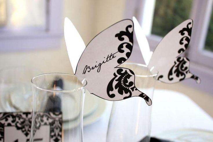 idée plan de table mariage avec des porte-noms en forme de papillons