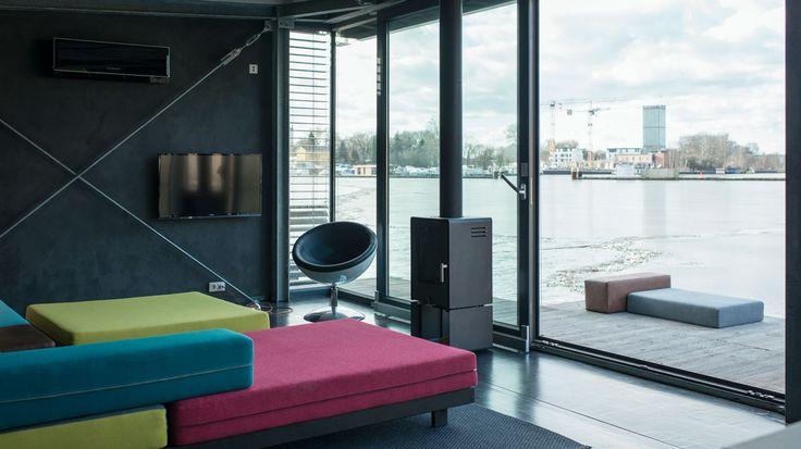 luxus apartment loft flodd boat black friedrichshain berlin suite030 interior pinterest. Black Bedroom Furniture Sets. Home Design Ideas