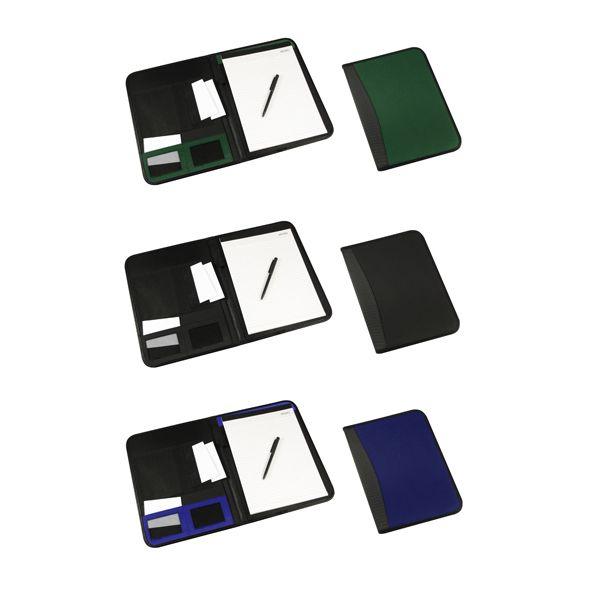 COD.EO015 Carpeta de PU/PVC. En el interior incluye Block de 30 hojas lineadas tamaño A4, Bolígrafo negro a pasta, Bolsillos para documentos tamaño A4, Bolsillos de tela TNT y Compartimentos para Tarjetas.