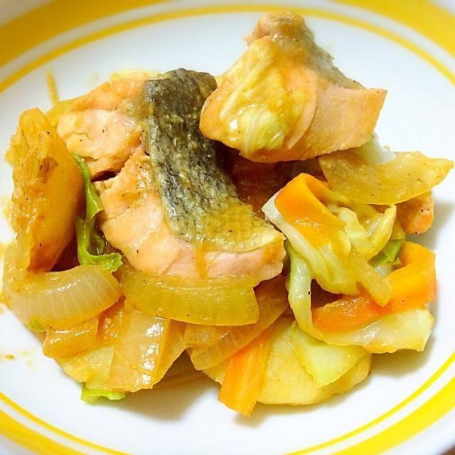 鮭のちゃんちゃん焼き風です。 - 13件のもぐもぐ - 鮭のちゃんちゃん焼き by tamacocco