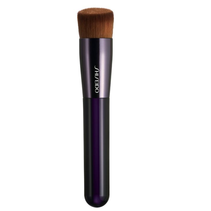 Buy Shiseido Perfect Foundation Brush  , luxury skincare, hair care, makeup and beauty products at Lookfantastic.com with Free Delivery.