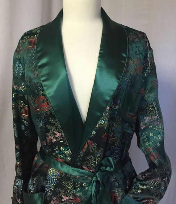 Vintage 40's Chinese satin silk thick dressing robe, house coat, lounge coat in green size M-XL women/men