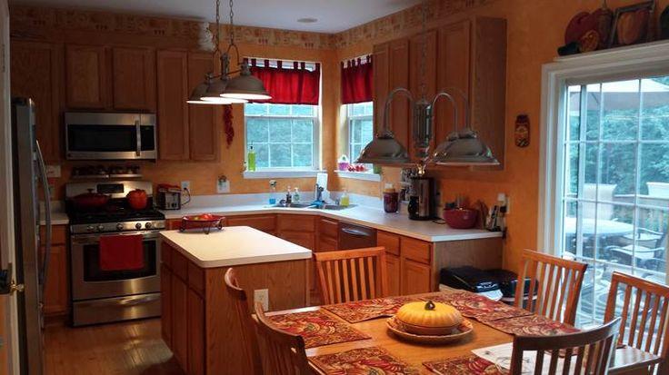 ICK = Honey Oak Cabinets + Laminate Counter Tops!