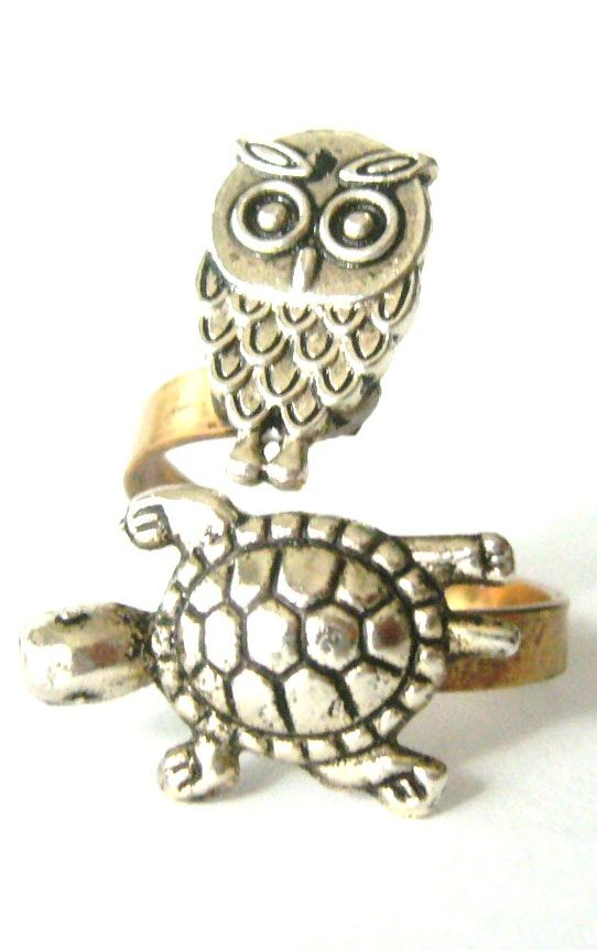 Silver turtle ring with an owl