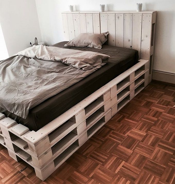 wood pallet upcycled bed