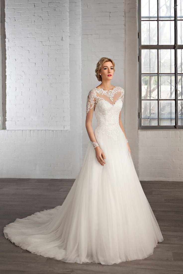 Cosmobella Style 7776: Cosmobella 2016 bridal collection : https://www.itakeyou.co.uk/wedding/cosmobella-wedding-dress-2016 #weddingdress #weddingdresses