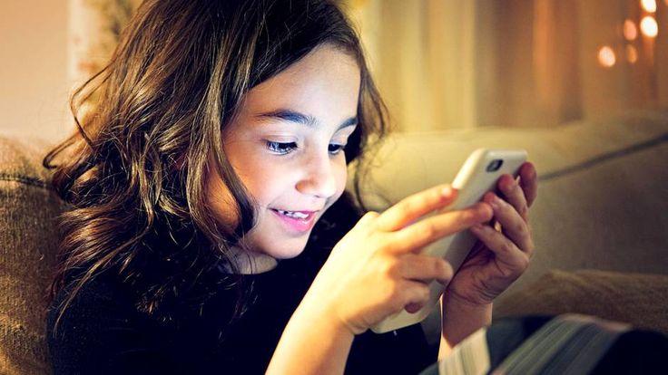 Smartphones sind kein Spielzeug für Kinder; Sie können Entwicklungsverzögerungen und Konzentrationsprobleme auslösen!