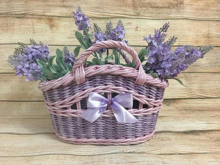 Basket with lavender.
