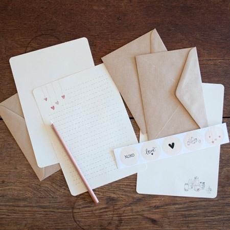 An April Idea - Writing Set - Jars of Love - hardtofind.