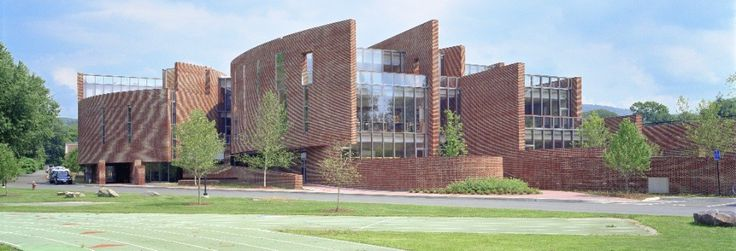Koch Center for Science, Math & Technology at Deerfield Academy,Courtesy of  som