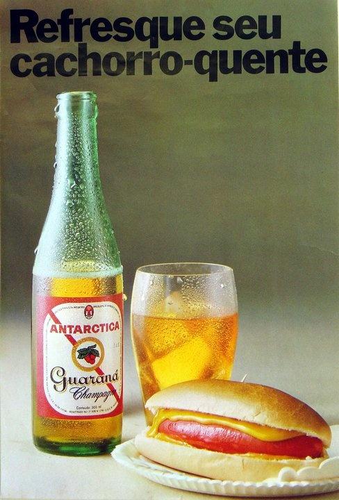 """...ter tomado Guaraná Antarctica ainda com esse  rótulo simpático e bonito, onde vinha escrito """"Guaraná Champagne""""."""