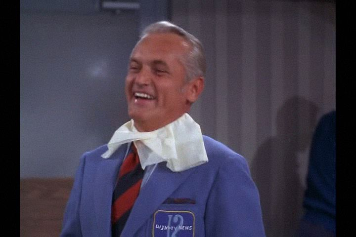 Mary Tyler Moore (1970) Love Is All Around , Season 1 , Episode 1,  Ted Knight ,  Ted Baxter