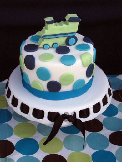 use my cake stand for cake with Navy ribbon