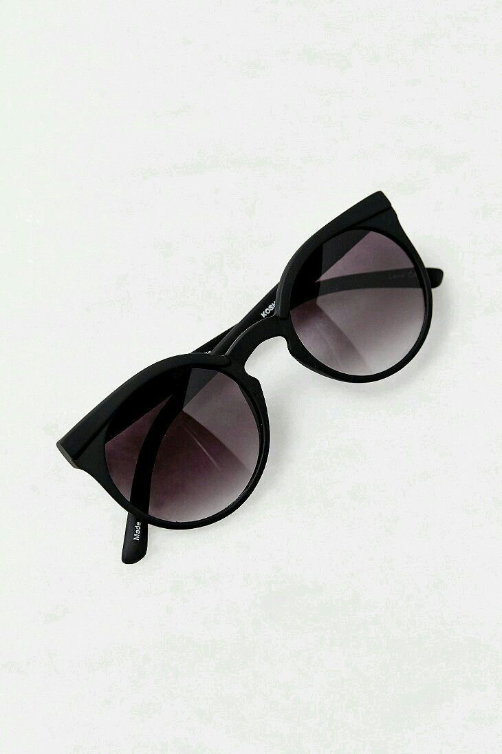 a67d74e95cab Pin by Lnoush♡ on Glasses in 2019 | Urban outfitters sunglasses, Ray ban  sunglasses, Quay sunglasses