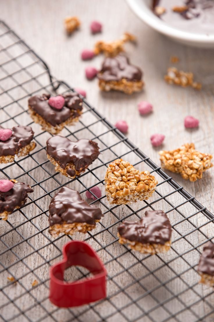 valentines's day no-bake buckwheat peanut butter energy bars with chocolate #vegan #glutenfree recipe | ricetta barrette energetiche vegan grano saraceno soffiato cioccolato senza glutine