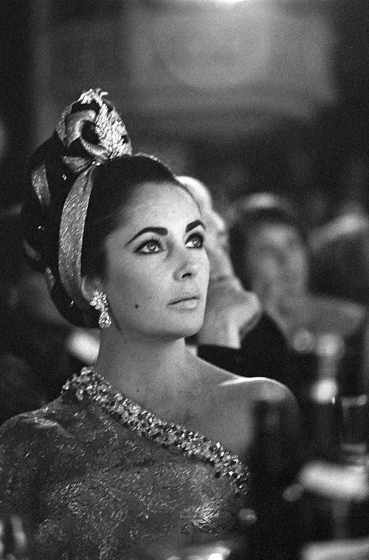 Photographies de François Gragnon. Steve Mc Queen Alberto Sordi Silvana Mangano · Alfred Hitchcock · Cerdan · Boxeur · Cerdan · Brigitte Bardot · festival de cannes