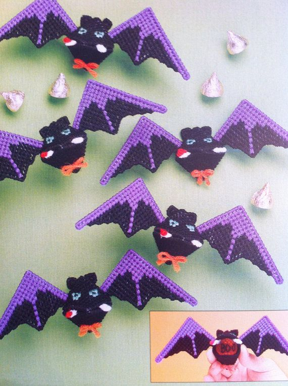 Plastic canvas kisses: Halloween Bat Kisses craft project, The Needlecraft Shop Plastic Canvas Pattern Leaflet 400407 / 993043.