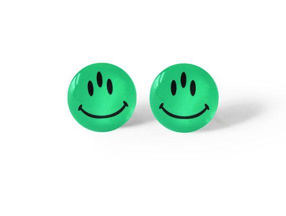 Alien sonriente cara postes Grunge suave joyería por AtomicLace