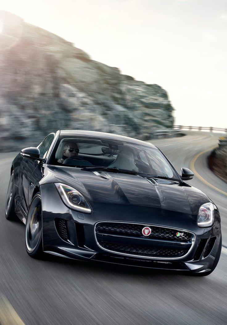 J'aime le Jaguar F-Type parce que c'est tres vite et ce n'est pas tres cher. Mais ce n'est pas fiable.