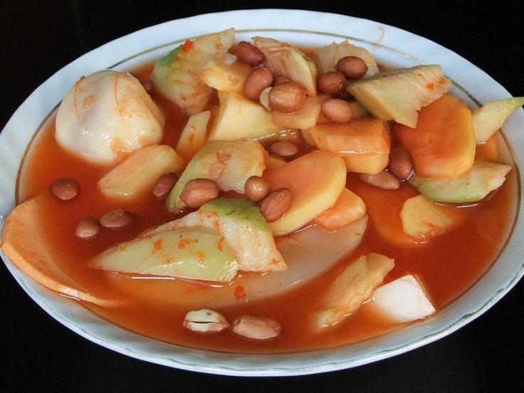 Asinan Bogor ini agar makan siang kali ini semakin nikmat...!    Paduan antara asam cuka, buah-buah segar, kacang dan sayuran serta rasa pedas yang alami membuat siapapun tidak akan mudah untuk melupakan nikmatnya menyantap Asinan Bogor.