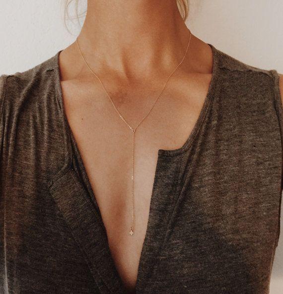 Tendência: colares tipo Y