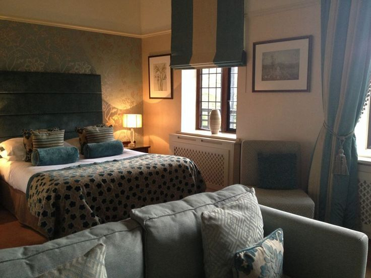 Inglewood Manor Room 5