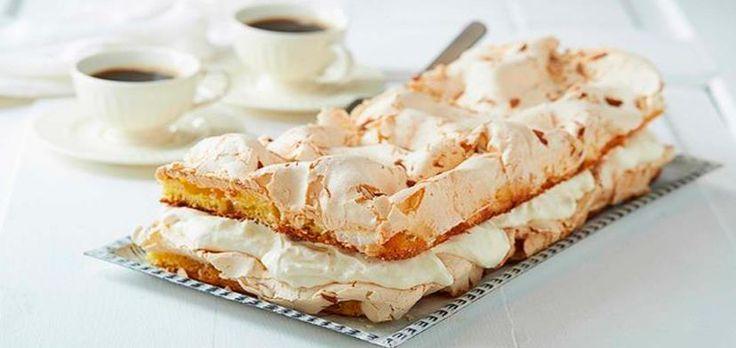 В день празднования конституции Норвегии норвежцы по традиции готовят национальный торт. И называют его – «лучший в мире торт». И он действительно оправдывает свое название.