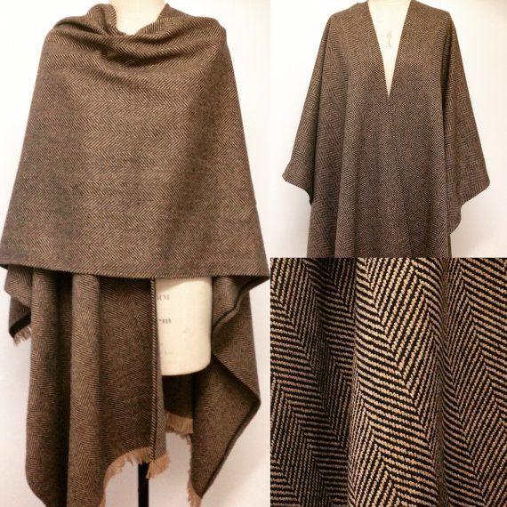 Menswear Poncho Cape  spigato lana oversize di CardamomClothing