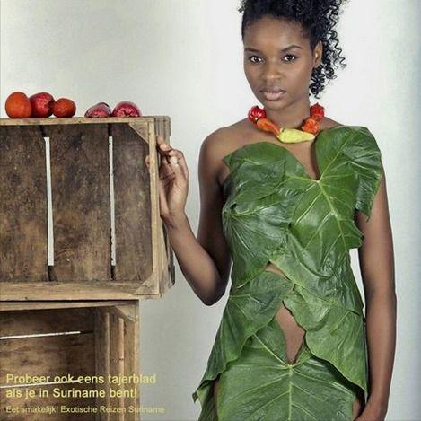 Gezond eten in Suriname! Tajerblad jurk en een kleurrijke peperketting. Styling: Warda Marica