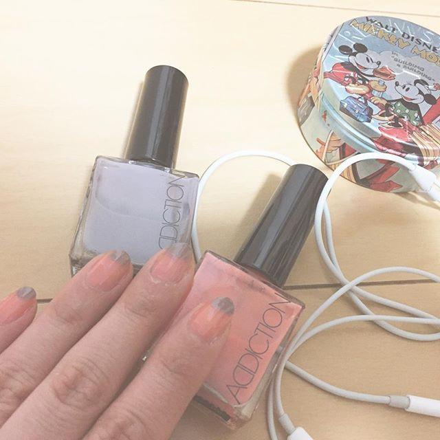 セルフはすぐ爪先取れちゃうからオシャレに応急処置💯 #アディクションて #色の名前が #いちいち可愛すぎる♡ #ネイル #セルフネイル #アディクション #置き画くら部  #favoritelittledress #nail #addiction #steamcream #mickey #iphone