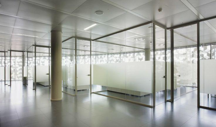 Edificio Corporativo de Oficinas del Centro Tecnológico de Hispasat / Herreros Arquitectos