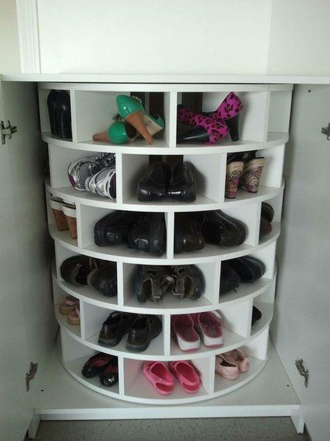 Les 25 meilleures id es de la cat gorie rangement de - Astuces rangement chaussures ...