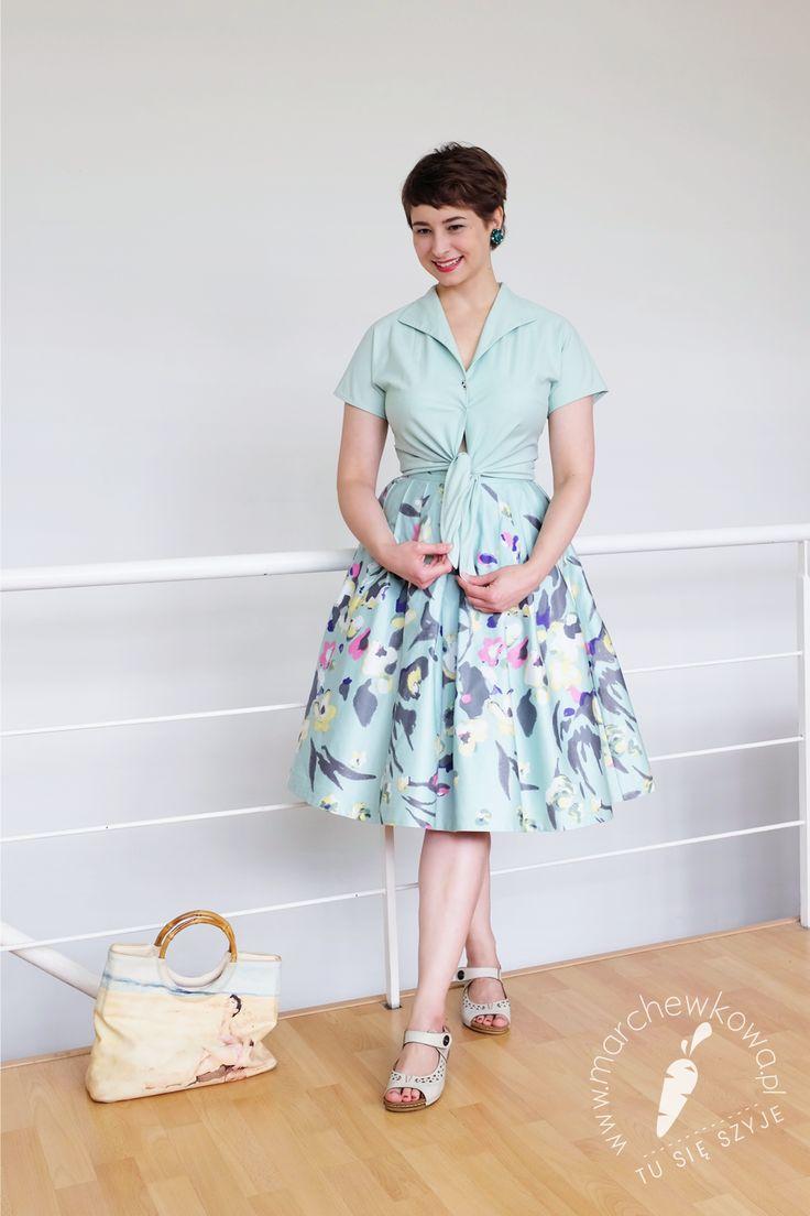 PL Bluzka: uszyłam sobie Wykrój: #120, Burda 4/2013 Spódnica: uszyłam sobie ze starej sukienki z H&M Torebka: wyszukana w lumpeksie przez Lenkę Ukochane sandały: Deichmann Klipsy z lat '50.: Allegro   EN Blouse: made by me Pattern: #120, Burda 4/2013 Skirt: made by me (it was a retro style H&M dress before) Summer bag: thrifted by Lena My favourite sandals: Deichmann 1950s clip earrings: Allegro