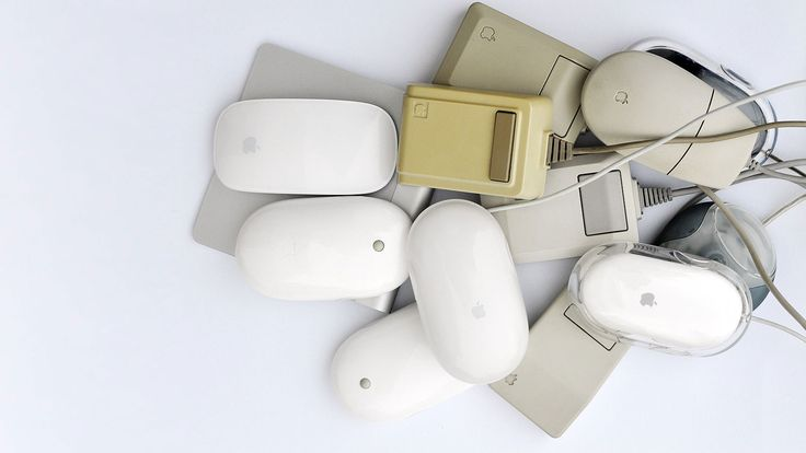 My Apple mouse collection. Love them all: http://dynamis.no/apple-mouse-collection #applemouse #apple #mouse #lisamouse #vintage