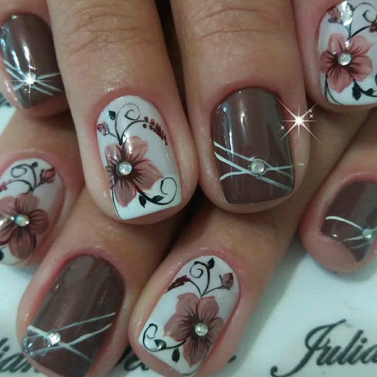 Pretty fall nail art design for short nails | unas