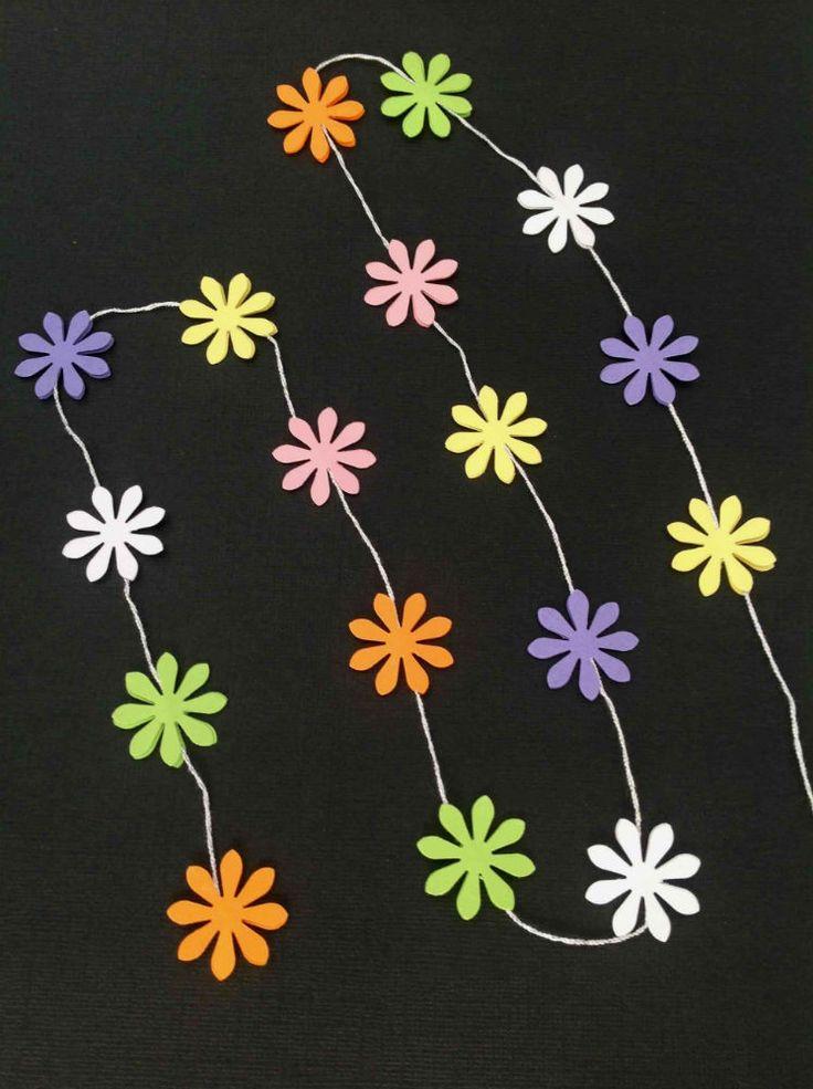 Blomsterranke med 17 enkelte og små blomster i smukke pastelfarver. www.jannielehmann.dk