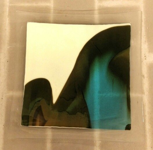 Reactive glass plate - french vanilla and turquoise