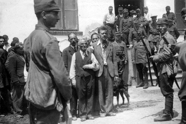 June 1941 - Roundup of Jews during a pogrom in Iasi, Romania