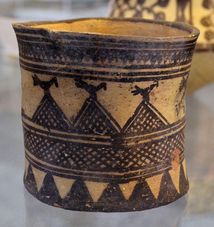 Pottery from Fars- 3rd millenium BC- National museum of Tehran آبخوری سفالی- تل شغا فارس- هزاره سوم پ م – موزه ملی ایران