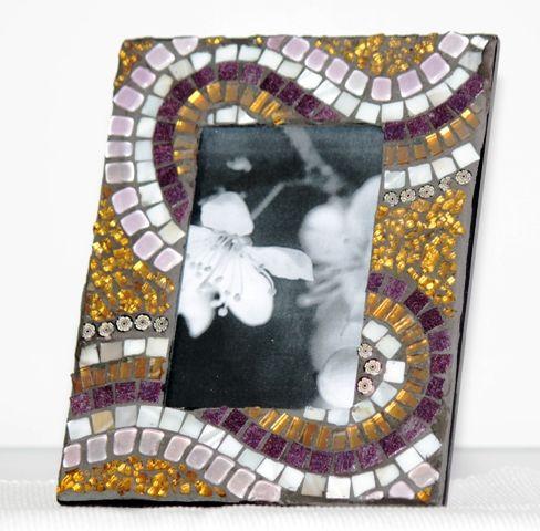 Porta ritratti viola/oro.  Tessere in vetro, murrine e piastre in craklé. Picture frames purple/gold. Glass tiles, millefiori and stones craklé