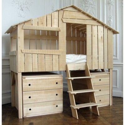 Le lit cabane est une véritable petite merveille ! Une création originale pour Mathy by Bols. Une vraie cabane perchée comme dans un arbre.