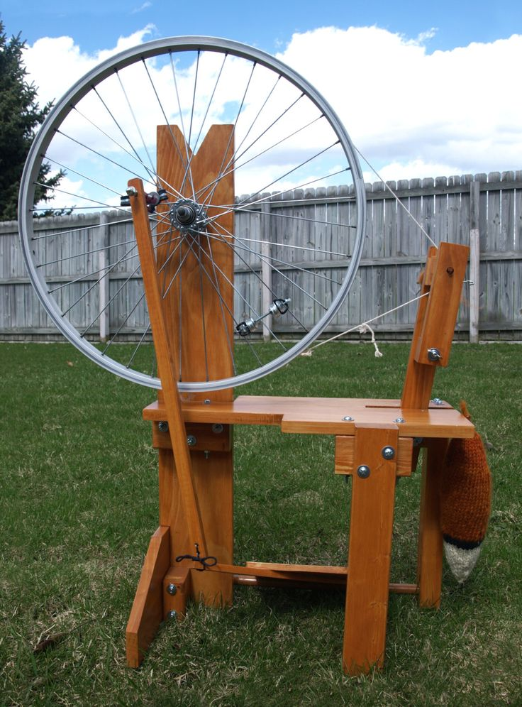 Hello there!  This listing if for a digital download of PDF plans to construct your very own Thrifty Fox Spinning Wheel!  Great for beginners and advanced spinners alike, this spindle wheel is easy to construct, and at around $45 for supplies, it is quite affordable! (good luck finding a commercial wheel for sale that cheap!) It functions very smoothly, the bike wheel makes it spin with ease, AND you have the option to make it look like an adorable fox! :)  *note: these plans use imperial…