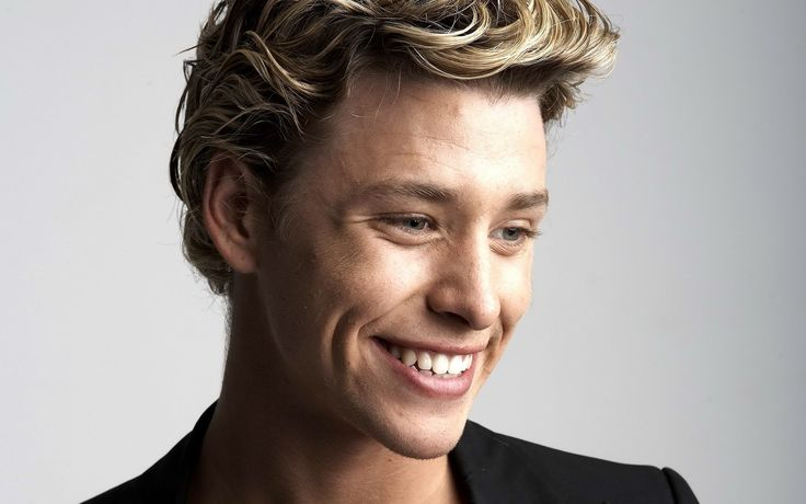 Mitch Hewer as Daniel Molloy. See: Skins, Brittania High