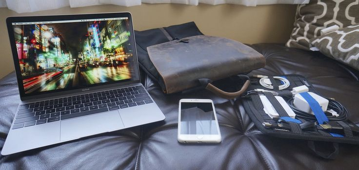 https://flic.kr/p/xrcYhQ | Go Bag 8-23-2015 | Here's my Go Bag for August 2015!  MacBook Retina 2015 1.2Ghz/8GB/512GB/Space Gray Waterfield Designs Staad Backpack Grid-It Mini USB Cable Lightning Cable iClever Dual USB Wall Charger USB-C to USB-A cable Business Cards Free Pen USB-C to USB-A Adaptor USB Thumbdrive Chromecast Verizon MiFi HotSpot (Not Shown)