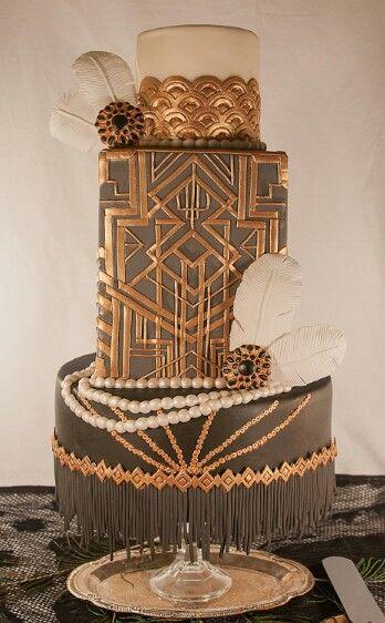 Leslie Bruckman of Nom Nom Sweeties' - Great Gatsby inspired wedding cake. Cake Central Marvelous Molds winner
